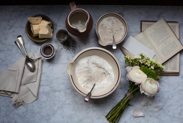Bath buns – or the tale of English buns #1