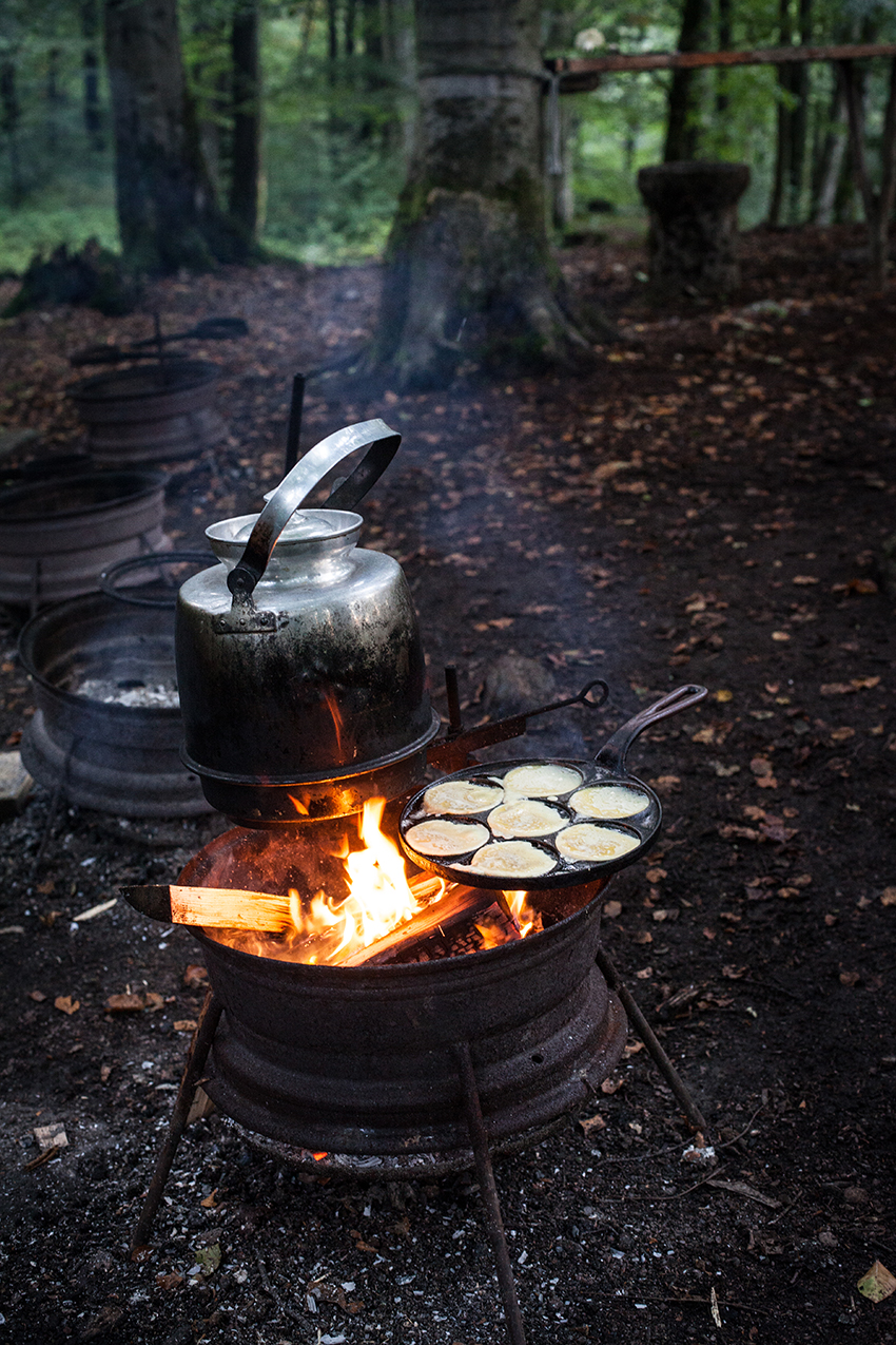 food from the fire the scandinavian flavours of open fire cooking
